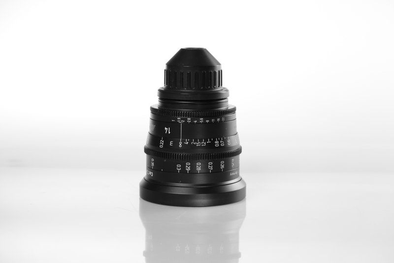 Carl Zeiss UP F:14, T1.9, диаметр передней линзы - 114 мм.