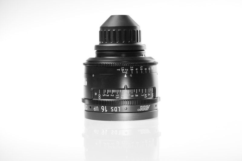 Carl Zeiss UP LDS F:16, T1.9, диаметр передней линзы - 104 мм.