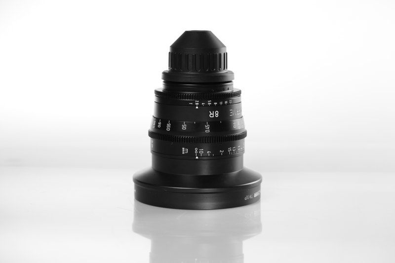 Carl Zeiss UP F:8R, T2.8, диаметр передней линзы - 134 мм.