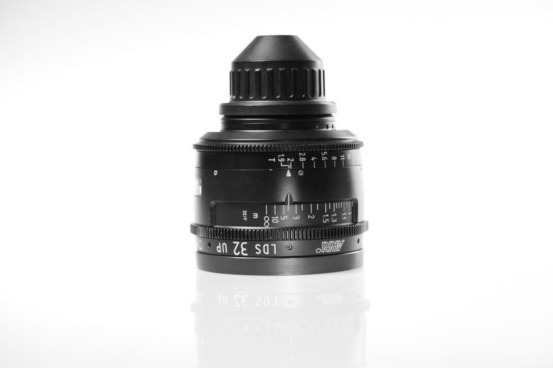Carl Zeiss UP LDS F:32, T1.9, диаметр передней линзы - 104 мм.