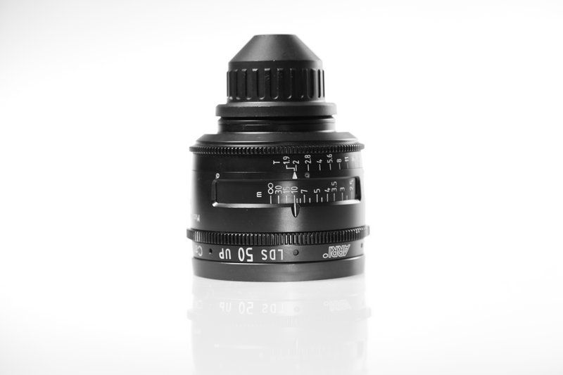 Carl Zeiss UP LDS F:50, T1.9, диаметр передней линзы - 104 мм.