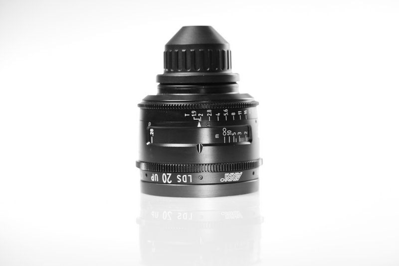 Carl Zeiss UP LDS F:20, T1.9, диаметр передней линзы - 104 мм.