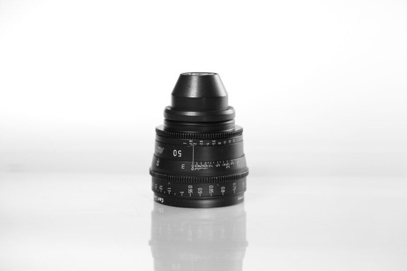 Carl Zeiss UP F:50, T1.9, диаметр передней линзы - 95 мм.